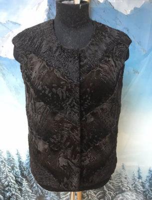 Пошив жилета в комбинации ткани с мехом свакары - 1